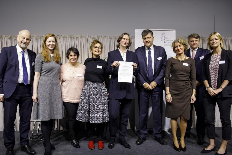 Dr. Schenk (EKFS), Dr. von Heusinger (EKFS), Dr. Pignolino (Gesundheitszentrum), Dr. Dreyer (argent. Vertreterin AoG), Dr. Vetye (arg. AoG-Projektleiterin), Botschafter E. Malaroda, Ch. Fahrmbacher-Lutz (AoG), St. Sturm (Fresenius), K. Dain (NCD Alliance)