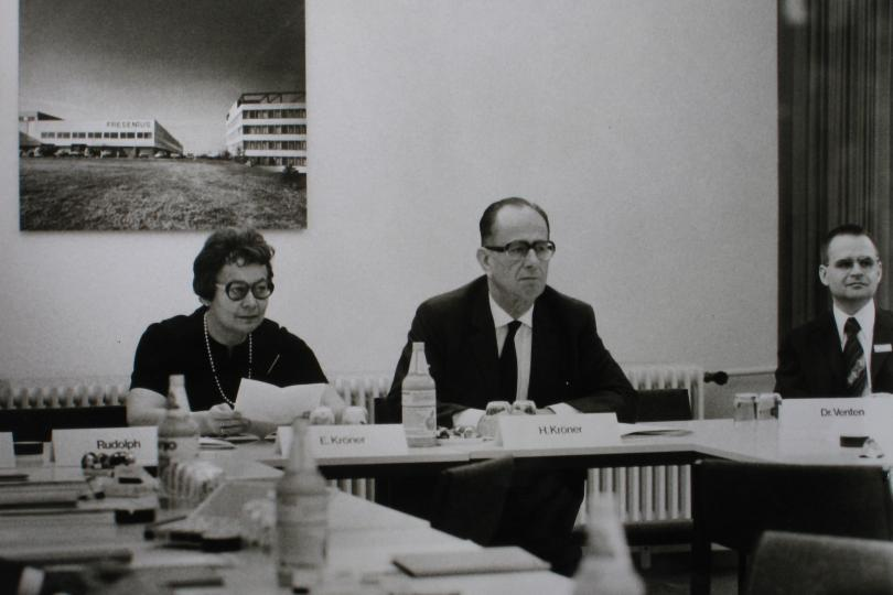 Else and Hans Kröner at a press conference celebrating the inauguration of the plant in St. Wendel in November 1974.
