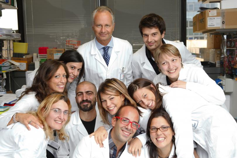 Prof. Dr. Alessandro Aiuti with his research team